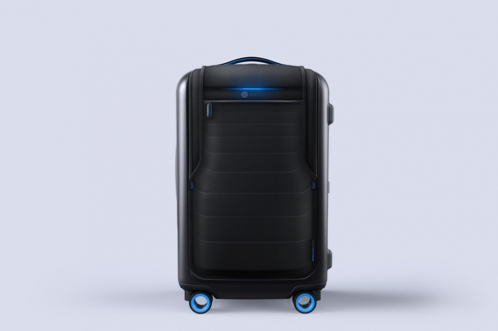 bluesmart-connected-suitcase-full-body-970x646-c