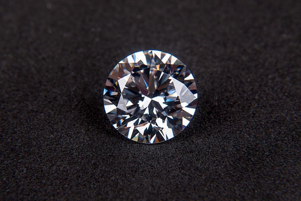 Diamond pixabay
