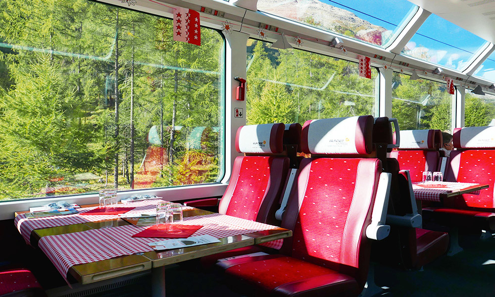 first-class-panoramic-carriage-glacier-express