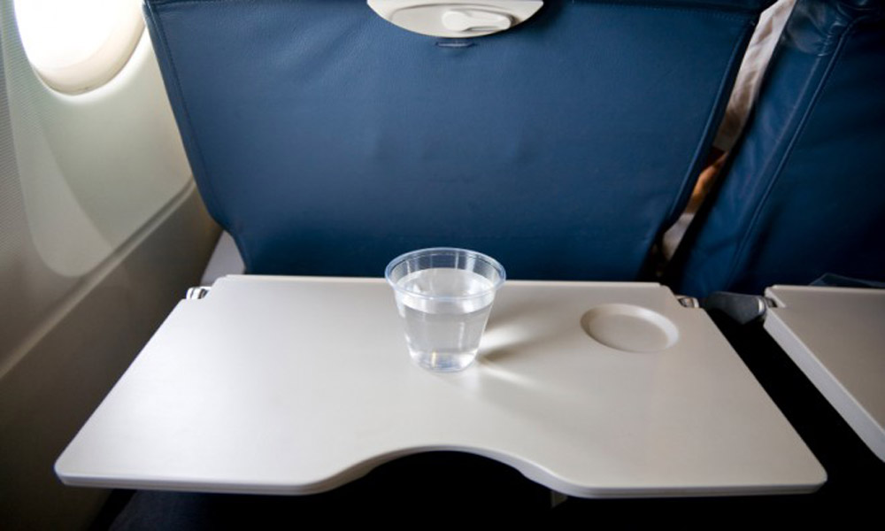 airplane-seat-tray