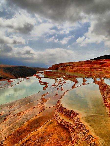 چشمه طبیعی باداب سورت