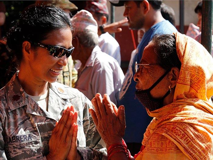 رو بوس نکردن در نپال