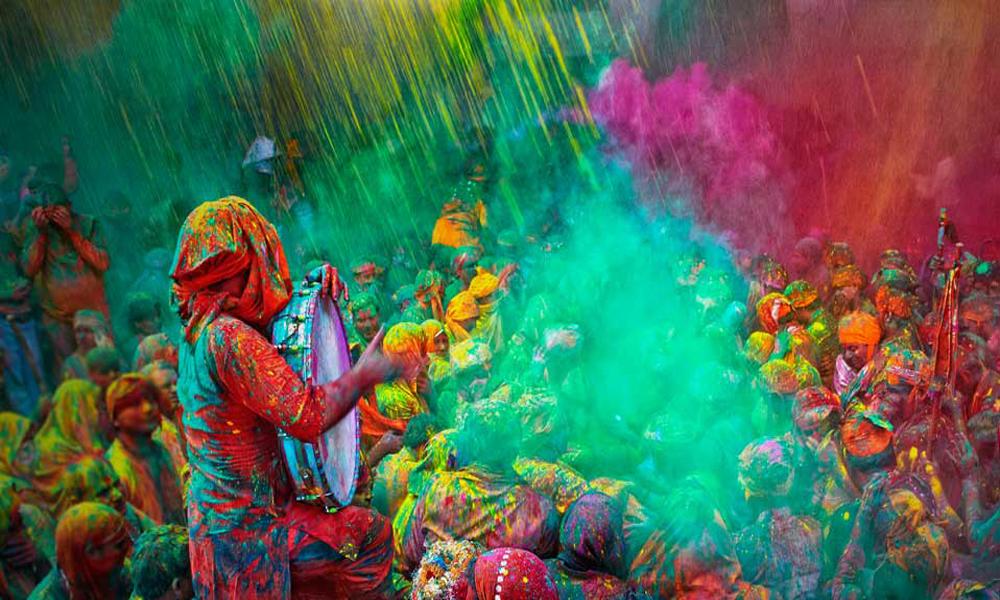 فستیوال رنگ یا هولی در هند و نپال