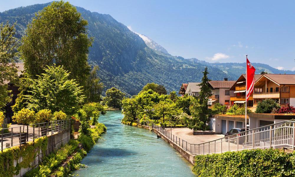 چشم اندازی از سوییس