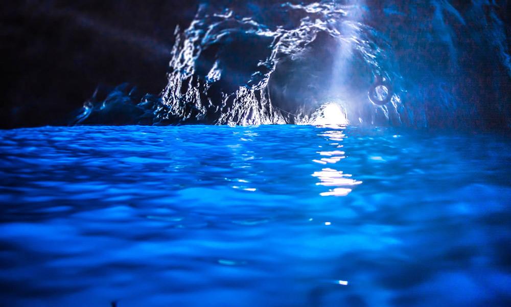 غار گروتو آزورا Grotto Azzurra، کاپری ایتالیا