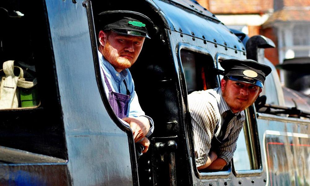 train-conductor-