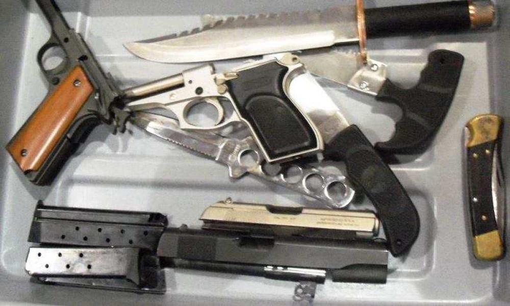 ممنوعیت ورود اشیای تیز و چاقو به داخل هواپیما
