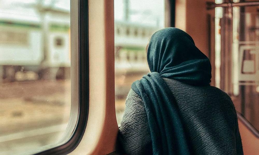 انتخاب صندلی کنار پنجره در قطار
