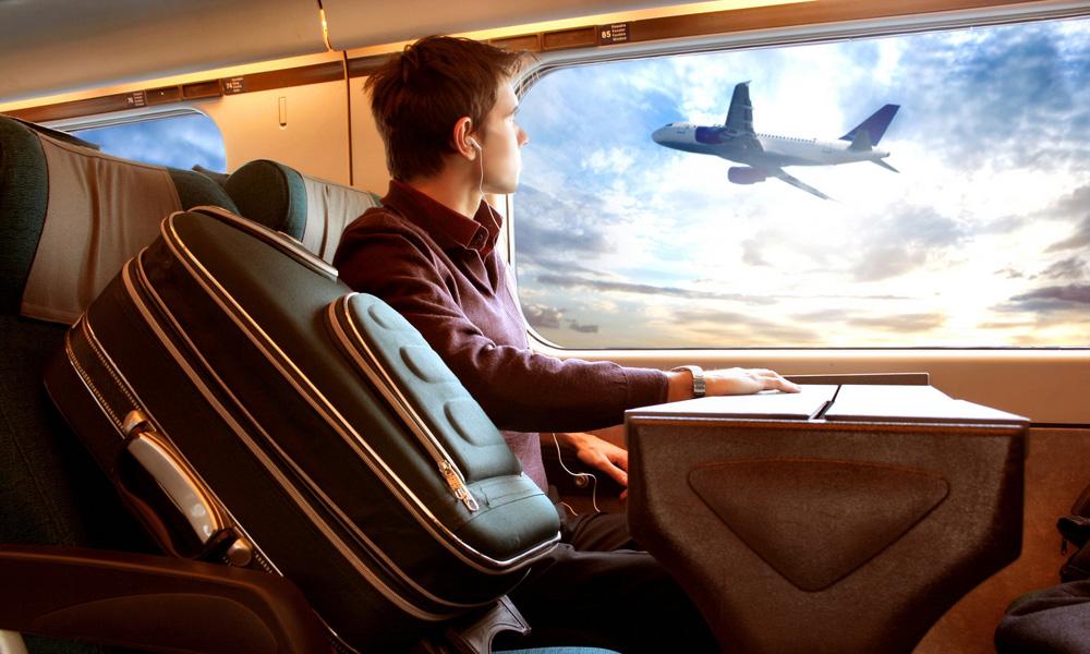 صندلی کنار پنجره در قطار