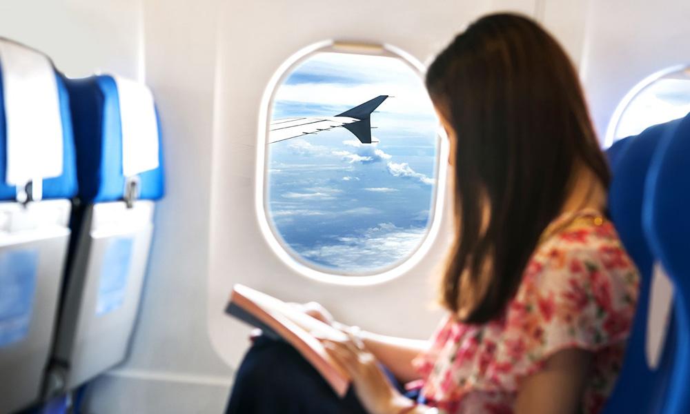 منظره صندلی های میانه بال در هواپیما