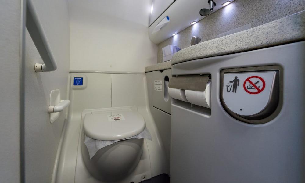 سرویس های بهداشتی هواپیما