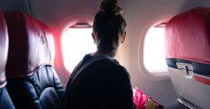 صندلی کنار پنجره در هواپیما