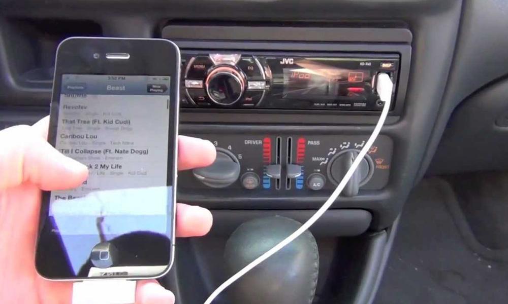 شارژ گوشی با استفاده از ضبط ماشین
