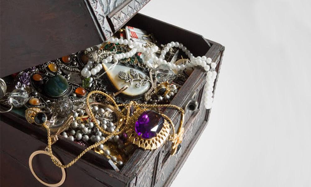 جواهرات در سفر