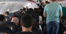 در طول پرواز بی حرکت روی صندلی خود نمانید