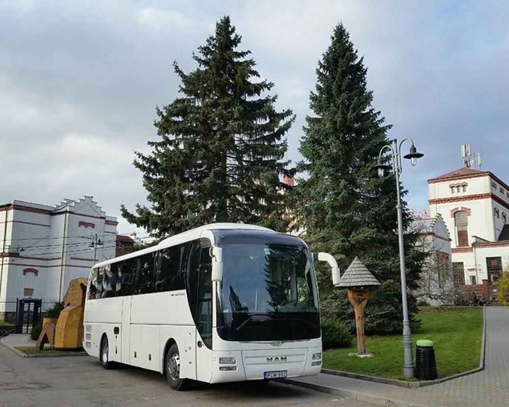 کسب اطلاع در خصوص نوع اتوبوس و مدت زمان سفر