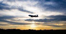 فصل سفر و قیمت بلیط هواپیما