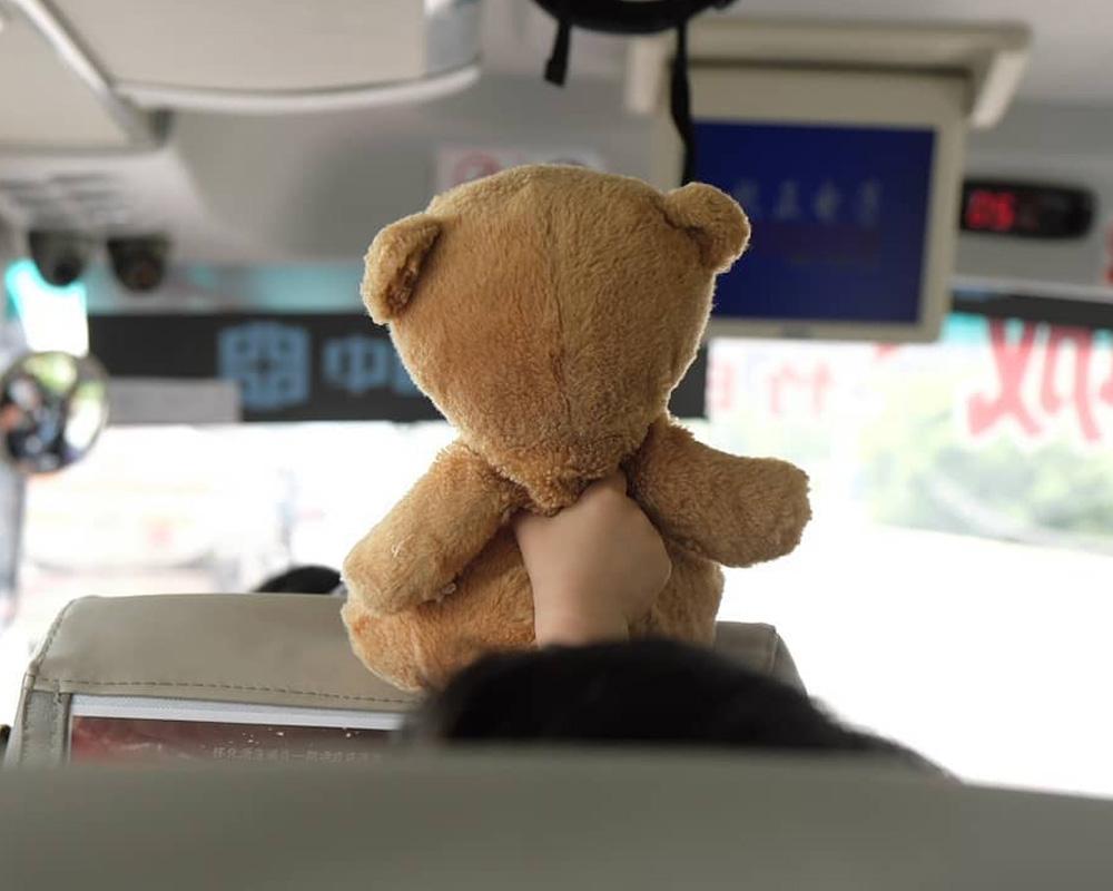 سرگرم کردن کودکان در اتوبوس