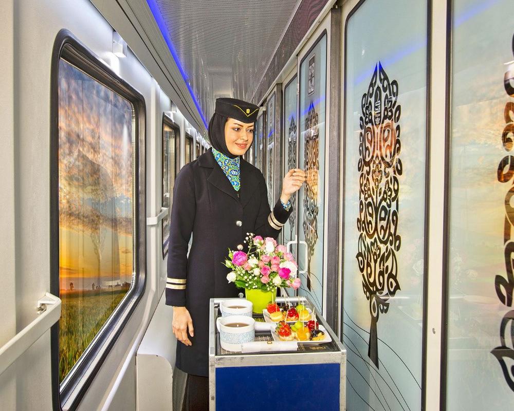 امکانات ویژه قطارهای فدک